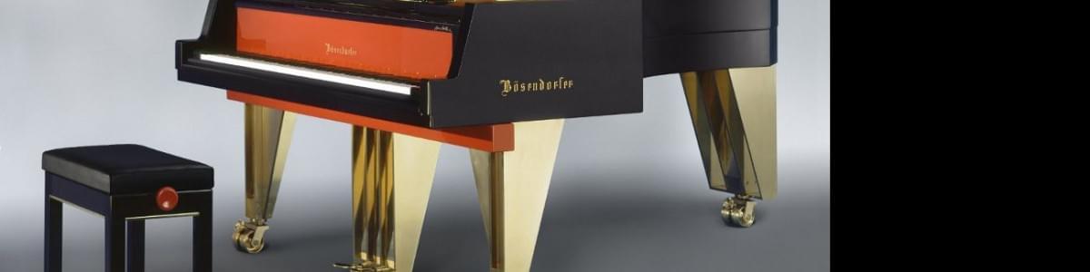 [:es]Imagen piano de cola BÖSENDORFER modelo diseño Hans Hollein con banqueta