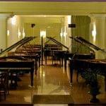 Local exposició de pianos Pianos verticals Carrer corsega 444
