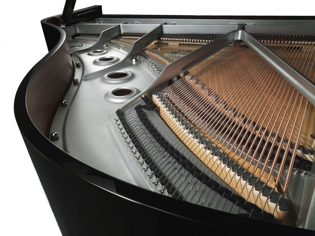 Imagen piano de cola YAMAHA CX Series. Modelo C2X negro pulido vista interior