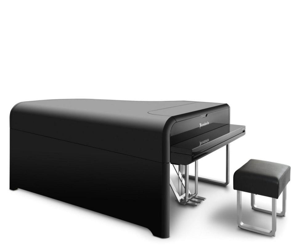 Imagen piano de cola BÖSENDORFER modelo diseño Audi con banqueta vista inversa