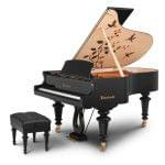 Imagen piano de cola BÖSENDORFER modelo especial Hummingbirds con banqueta