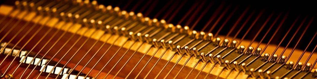 Imagen promocional del servicio técnico de Corrales Pianos. Afinaciones, mantenimiento, puesta a punto, revisiones , restauraciones