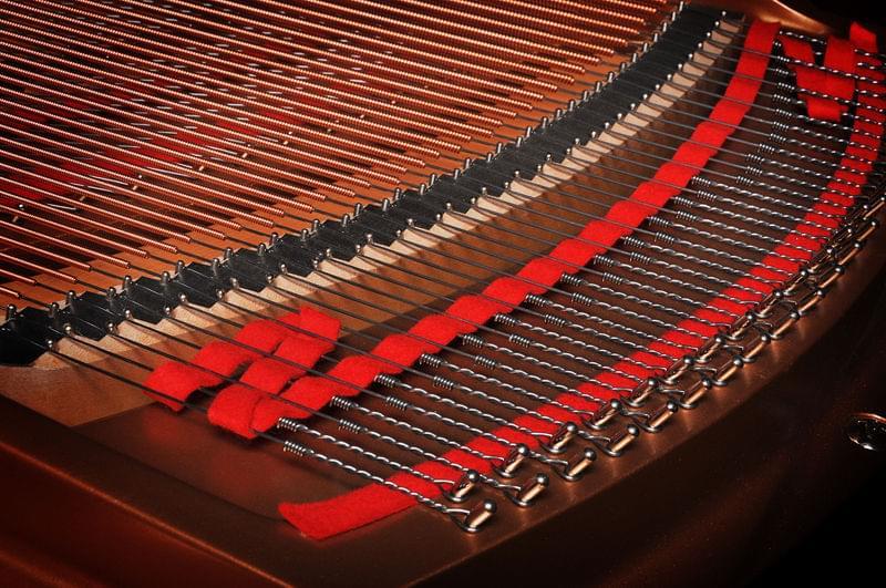 Imagen detalle piano de cola KEMBLE