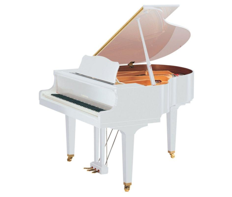 Imagen piano de cola YAMAHA serie estudio. Model GC2 color blanco pulido