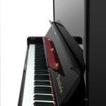 Imagen piano vertical BÖSENDORFER model 130 CL vista lateral detalle teclado