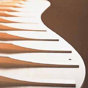 Característica pianos KAWAI tapa harmónica